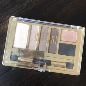 Milano 01 must have naturals eye shadow pallet